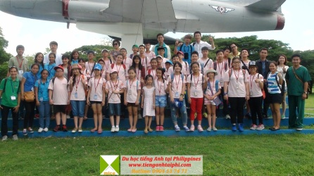 Học sinh Việt Nam tham gia trại hè tại Philippines năm 2015