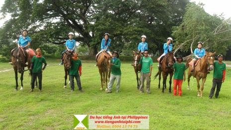 Hoạt động cưỡi ngựa tại trại hè tiếng Anh