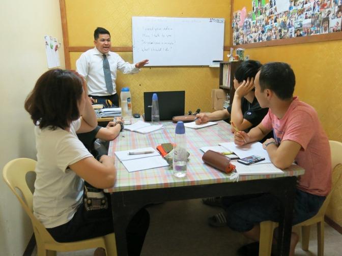 Trào lưu sang Philippines học tiếng Anh (Thanh Niên Online)