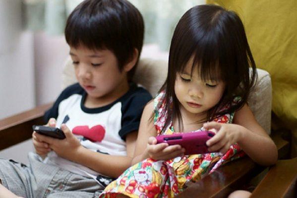 tre em nghien smartphone Những điểm nổi bật của trại hè tiếng Anh Philippines 2020